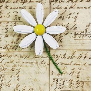 Vintage Enamel Daisy Flower Pin Brooch